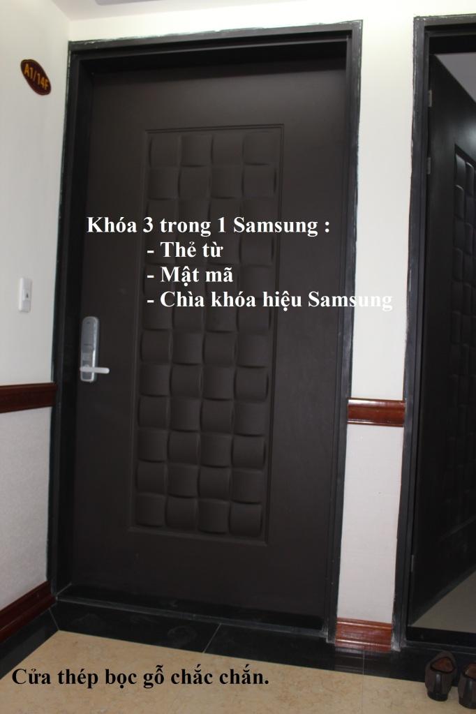 cửa căn hộ hoàng kim