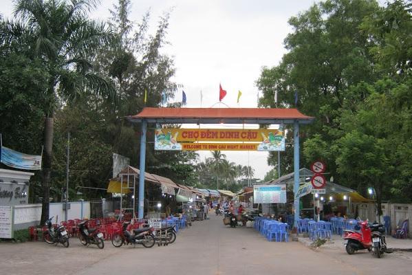 Cho dem Dinh Cau